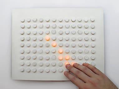 Damián Miroli - Tablero para dibujar con luces