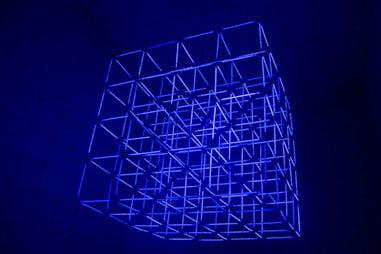 Damián Miroli - Sin Titulo. Cubo de luz química. Un Club. 2017
